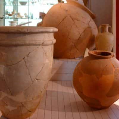 Vasi di Terracotta, ricostruzione di cocci originali
