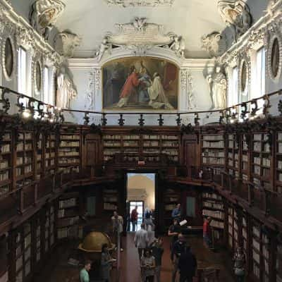 Sala interna Biblioteca di Ravenna