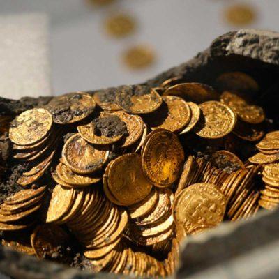 Monete romane ritrovate durante uno scavo